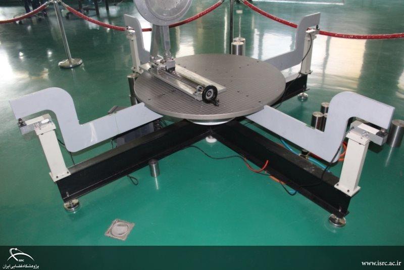 آزمایشگاه اندازهگیری خواص جرمی – مطابق با استاندارد معتبر فضایی