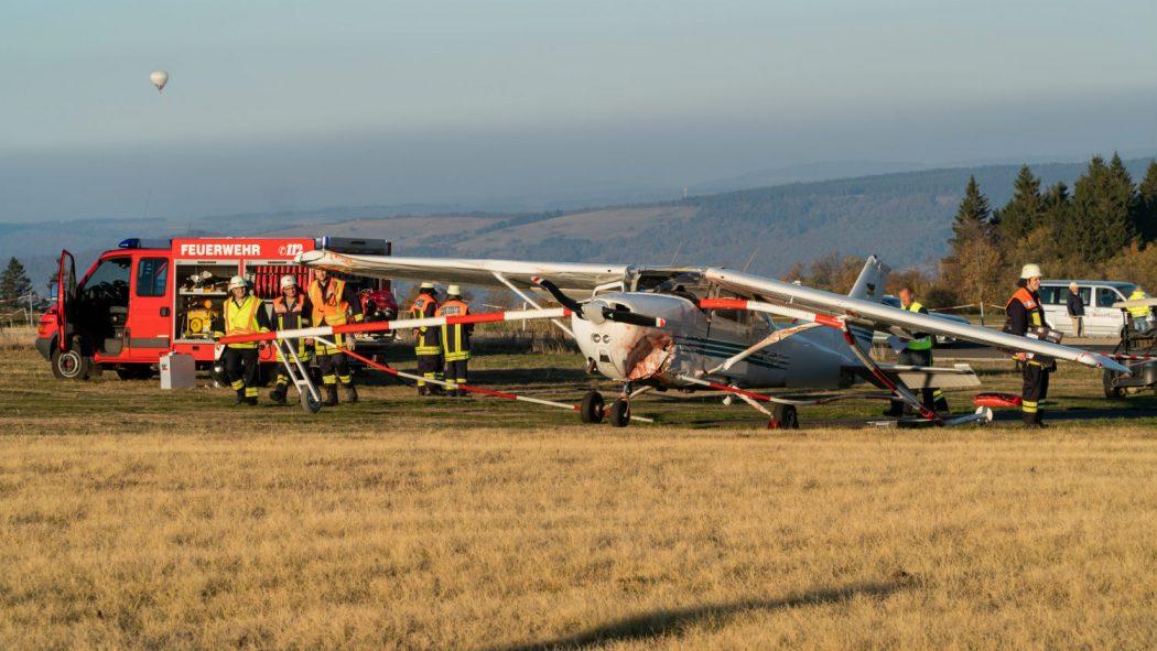 فرود ناموفق یک هواپیمای سبک در آلمان به مرگ ۳ نفر انجامید