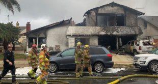 سقوط هواپیما روی منزل مسکونی در ایالت کالیفرنیا آمریکا حداقل 5 کشته بجا گذاشت