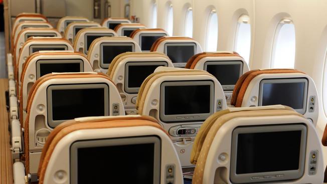 تجهیز نمایشگر صندلیهای هواپیماها به دوربین در دو ایرلاین بینالمللی