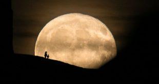 بازگشت به ماه - درخواست معاون رئیس جمهور آمریکا از فضانوردان ناسا