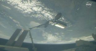 محموله ربات های پرنده و 800 وعده غذایی به ایستگاه فضایی بین المللی رسید