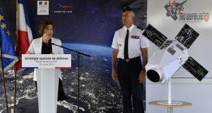 فرانسه در حال راهاندازی نیروی فضایی با ماهوارههای مسلح است