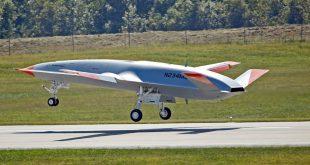پرواز موفقیت آمیز نخستین مخزن سوخت خودران و بدون سرنشین شرکت بوئینگ