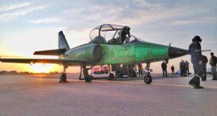 """رونمایی از """"یاسین"""" اولین هواپیمای جت آموزشی-رزمی ساخت ایران"""