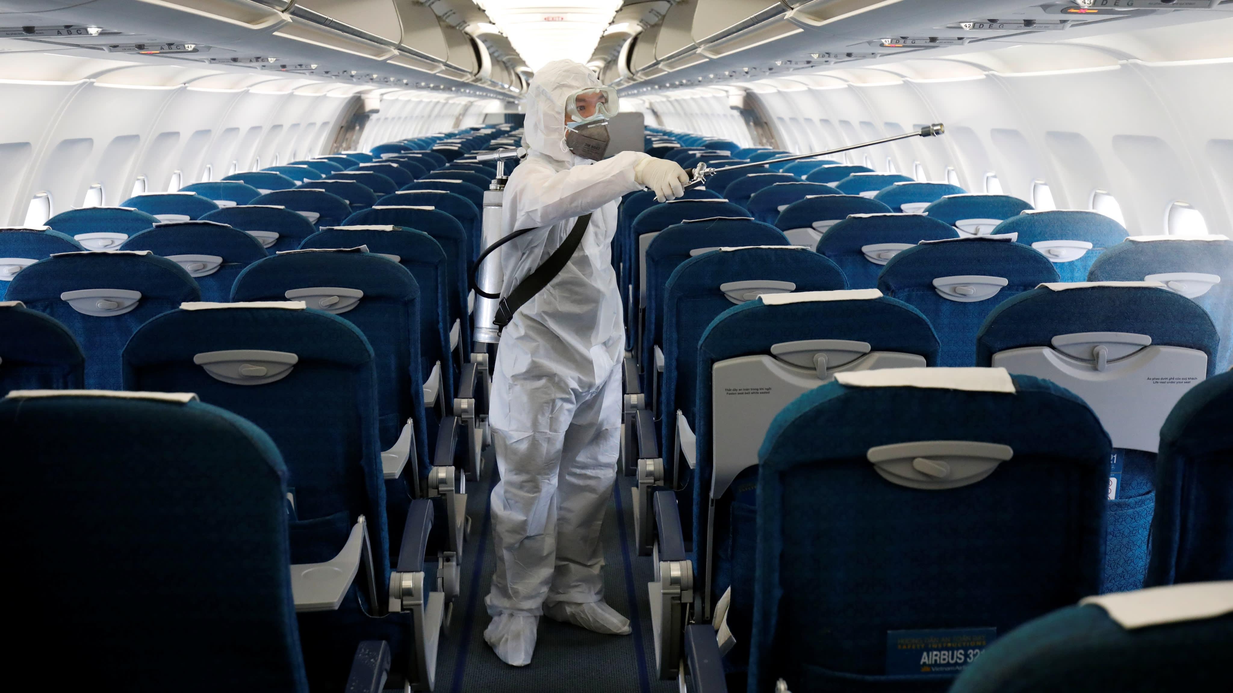 خطوط هوایی آسیا و اقیانوسیه کاهش ظرفیت خود را تمدید میکنند