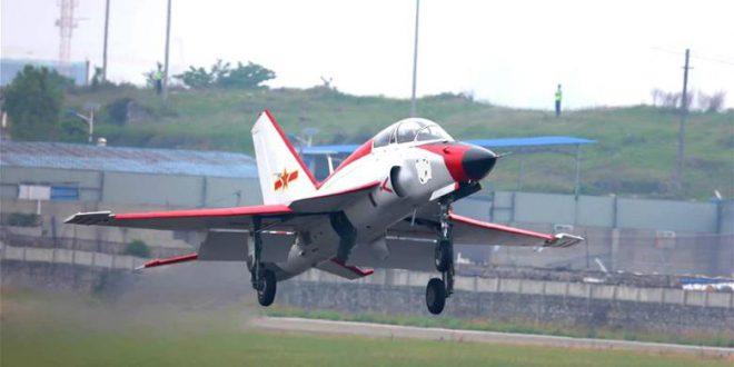 پرواز مدل جدید هواپیمای JL-9 در چین