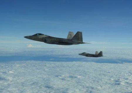 رهگیری و تعقیب هواپیماهای نظامی روسی در سواحل آلاسکا توسط جنگنده های F-22 ایالت متحده